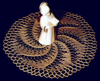 Small doily with spiral motif